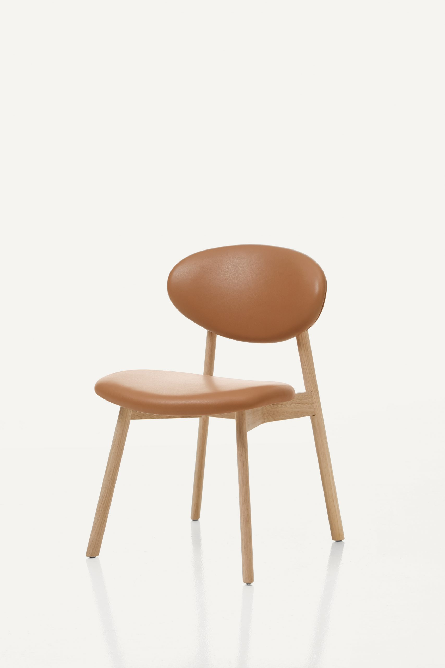 BassamFellows CB-61 Ovoid Chair.with solid Oak frame, 3_4 front, Photography MARCO FAVALI