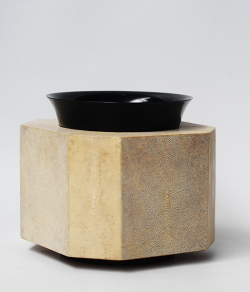 Jul Vase by Elan Atelier