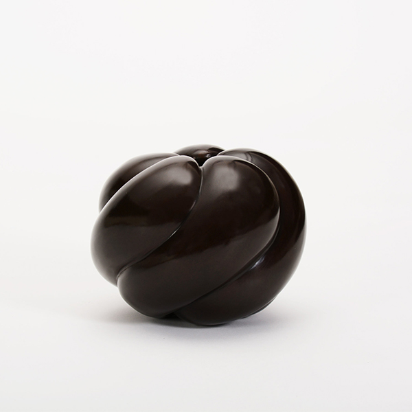 Pepper Vase by Elan Atelier