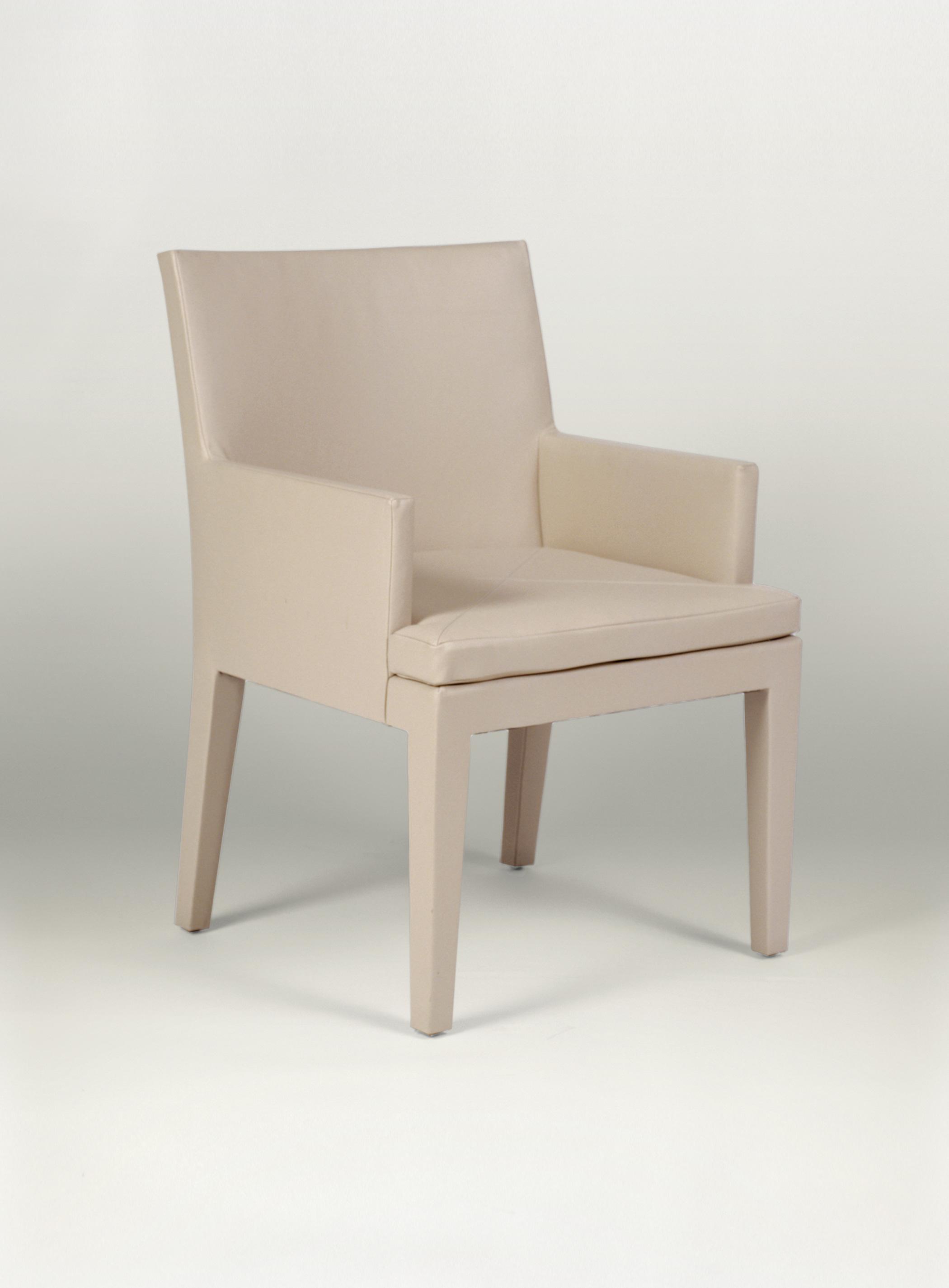 Della Spiga Arm Chair by Magni Home Collection