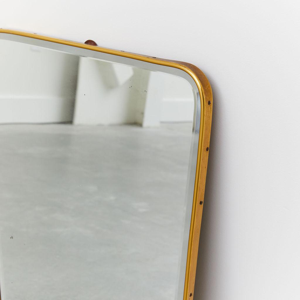 Appeso Mirror