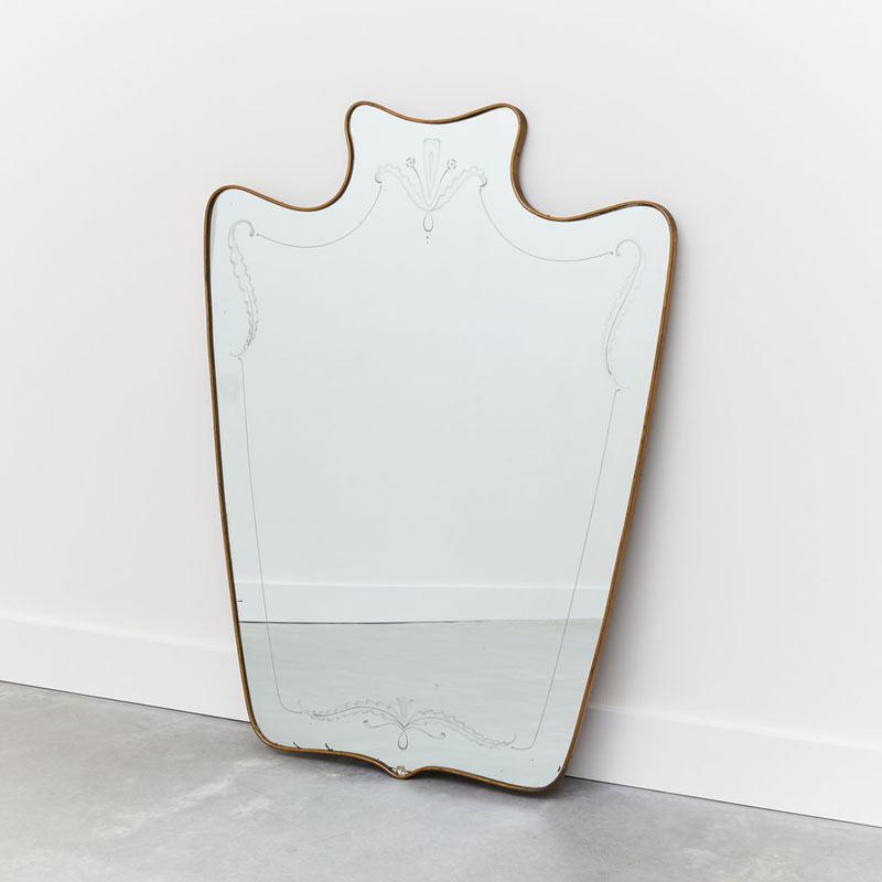 Scolpire Mirror